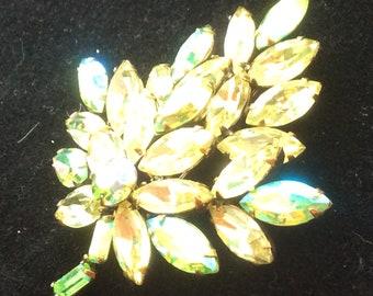Gorgeous Regency leaf brooch - jonquil - huge