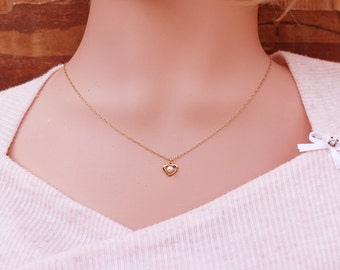 Tiny heart necklace, Gold chain necklace, tiny gold necklace, Dainty necklace, Delicate necklace, gift for her, Valentines day gift