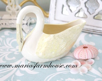 SWAN, Vintage Swan by Belleek, Embossed Feathers, Made in Ireland, Vanity Decor. - ca. 1965 - 1981