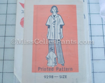 Marian Martin 9298 Vintage  Cape Coat  1970s Bust 36 Sewing Pattern, Uncut