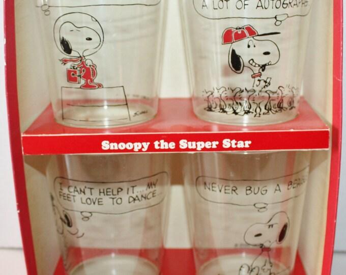 Hallmark Peanuts Plastic Party Glasses Set of 4 Original Box 1970's