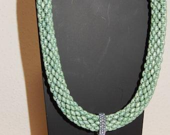 Collier ASTERIA Chalk Green