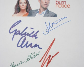 Burn Notice Signed Pilot TV Script Screenplay Autograph X5 Bruce Campbell Jeffrey Donovan Gabrielle Anwar Sharon Gless David Zayes signature