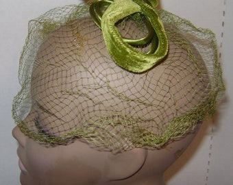vintage 1960s Womens Medium Olive Green BIRDCAGE Veil Hat with Velvet and Satin Bows