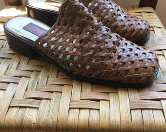 90s vintage leather woven mules / slides, approximately size 8