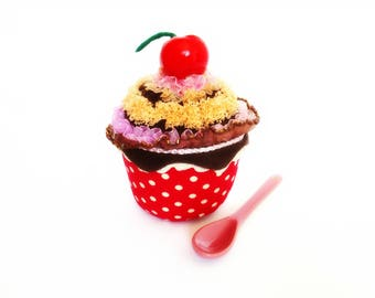 Original Prick Needles CUPCAKE Cherry and Chocolate Ornamental cake