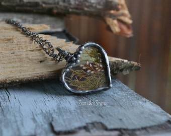 Real moss necklace, Dried Heather Flower Necklace, Pressed plants, Glass Heart Necklace, Woodland jewelry, Forest Jewelry, Moss Terrarium