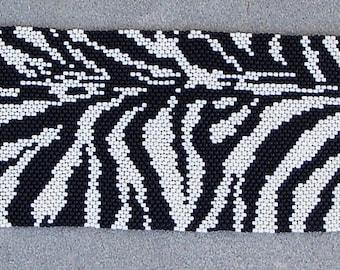 Zebra Peyote Bracelet Instructions