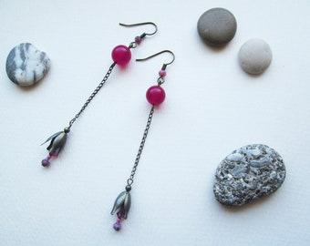 Magenta purple chain earrings with jade, fuchsia Swarovsky crystal and thin chain, elegant bell-flower earrings, violet pink earrings