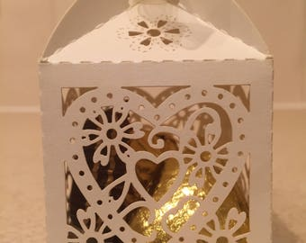 10 x Pearlised Ivory Filagree Heart Wedding Favour Boxes filled with 3 Belgian Chocolate Hearts and a Ferrero Rocher