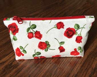 Red roses large accessory case