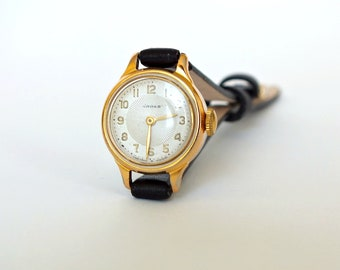 Vintage very small womens watch Chaika Seagull. Round dial wristwatch. Mechanical gold plated ladies watch 60s. Tiny cocktail watch Gift her