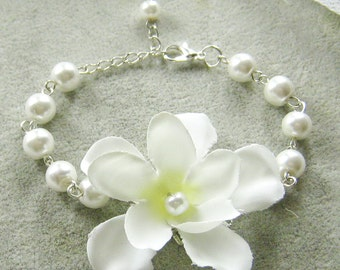 Silk flower pearls bracelet, bridesmaids bracelet, wedding jewelry - BRS001