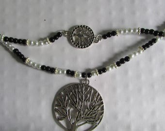 Tree of life jewelry set. Bracelet. Earrings. Necklace. Black and white. Metallic beads.