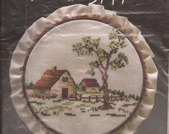 "wp3507 7"" Counted Cross Stitch Picture Kit, Homestead. Vintage 1984"