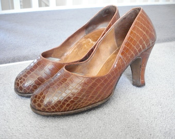 1940s Mock crock shoes small size