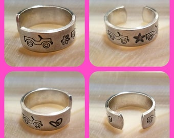 Three Little Jeeps toe ring 1/4 inch width hand stamped and polished adjustable size aluminum OIIIIIIIO