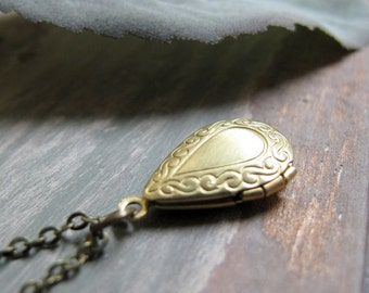 Tiny Teardrop Locket, Gold Brass Locket Necklace, Vintage Locket Teardrop Necklace - TINY TEAR