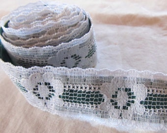 """vintage FLORAL LACE 3/4"""" white floral lace over forest green background (38"""", just over 1 yard)"""