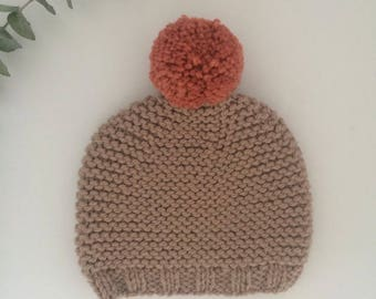 Champignon knitted beanie with rose pompon