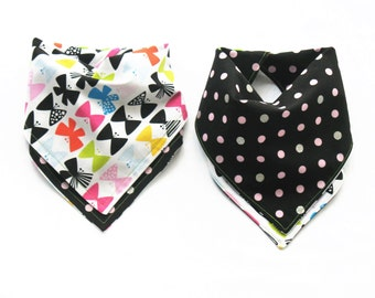 Bandana Girls Bib  - Reversible Butterflies & Polka Dots - One Size Adjustable Baby Bib with Snaps - Reversible Drool Bib > 100% Cotton