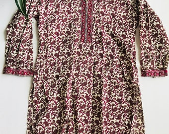 White and Maroon Paisley Tunic Size Small
