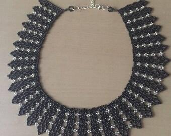 Regal collar necklace