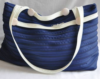 bag Navy Blue and beige handles