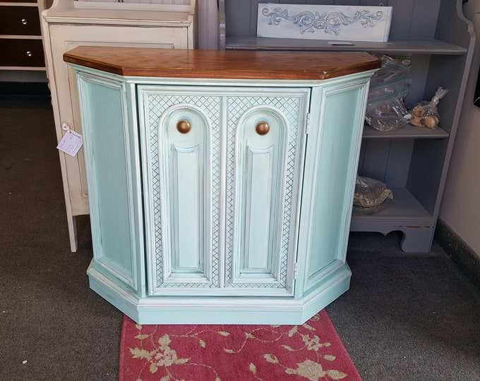 PICK UP ONLY, Vintage cabinet, buffet, coffee bar, wine bar, farmhouse storage cabinet, pantry, country cottage, distressed shabby chic
