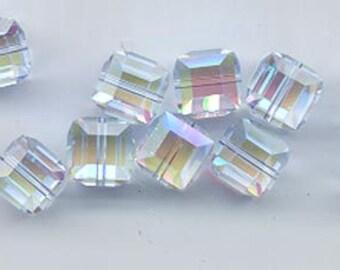 Twelve beautiful 8 mm Swarovski crystal cubes - art 5601 - 8 mm - alexandrite AB