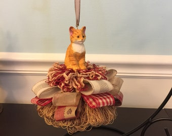 Country orange tabby cat tassel