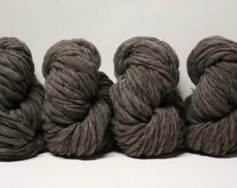 Handspun Thick and Thin Yarn Charcoal Grey Shetland Wool Slub  tts(tm) Bulky