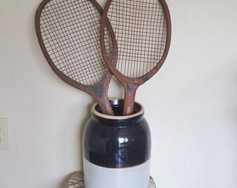 Raquette de Tennis en bois antique fait par Kent E, Pawtucket,R.I.