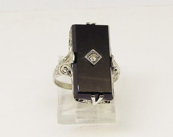 Onyx and Diamond Ring 14Kt White Gold