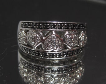 Vintage Sterling Silver Black and White Diamonds Ring Sz 7 M739