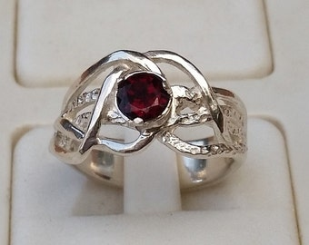 Garnet Silver Ring, Engagement Garnet Ring, Promise Silver Ring, Sterling Silver 925 Ring, Gemstones Ring, Handmade Garnet Ring,Mother's Day