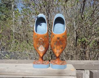 Wooden Shoes,Dutch Wooden Shoe Caddy,Folk Art Hand Painted Wooden Shoes,Hand Painted Wooden Shoes,Vintage  Dutch Wooden Shoes