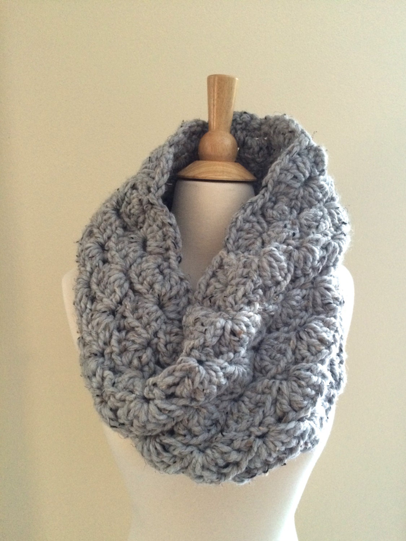 DIY Crochet Pattern: Sophie Cowl Super Bulky Lacy Infinity