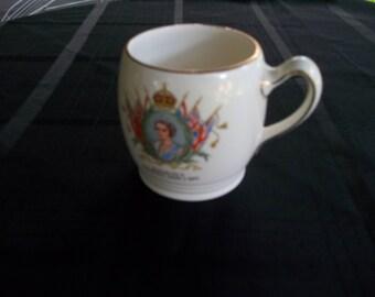Royal Winton Queen elizabeth II cup