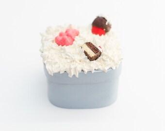 Mini sweet blue jewelry box (decoden) - bear - cupcake