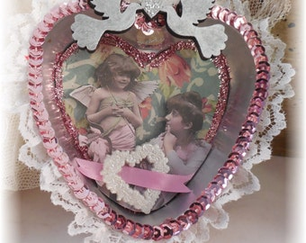 Valentine Tin Ornament Mother and Child