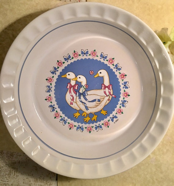 One 11 inch vintage Pie Plate ribbon Geese collection from TheplansIHave12 on Etsy Studio & One 11 inch vintage Pie Plate ribbon Geese collection from ...