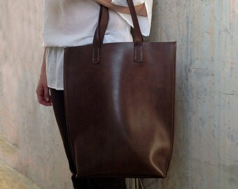 Women shopping bag Women leather tote bag Hand stitched leather bag dark brown Teacher tote bag Urban shoulder bag Student leather bag tote