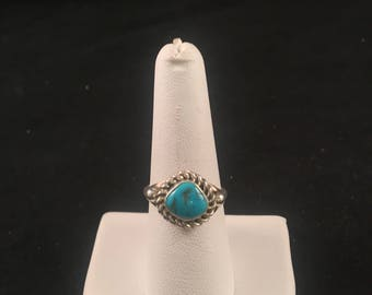 Native American Navajo Turquoise and Sterling Silver Ring Size 8.5