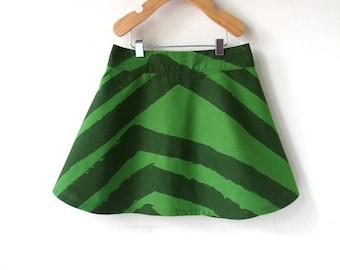 Taille 5 filles jupe - Marimekko - rayures verts