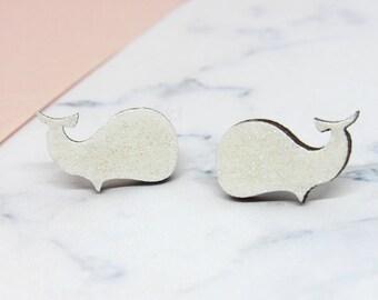 Puces d'oreilles baleines en bois blanches à paillettes