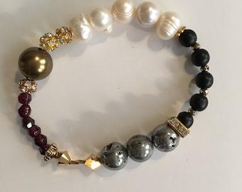 Renaissance Inspired Continuous Stretch Bracelet