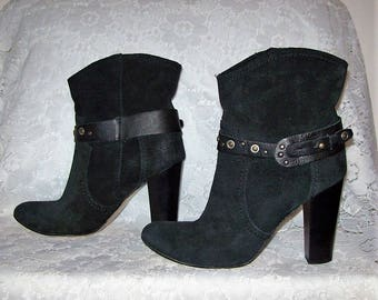 Vintage Ladies Black Suede Leather Ankle Boots by Andre Classiques Size 38 Only 15 USD