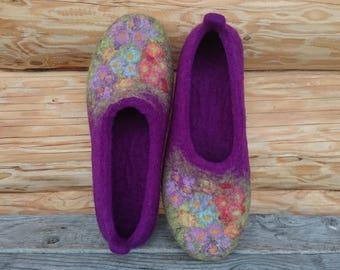 Felted slippers ultraviolet, women house shoes, purple violet Fantasy Flower Garden, warm slippers, romantic gift, wool slippers