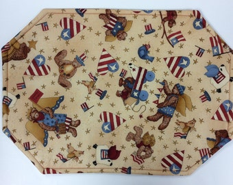 Set of 4 Reversible Americana Placemats